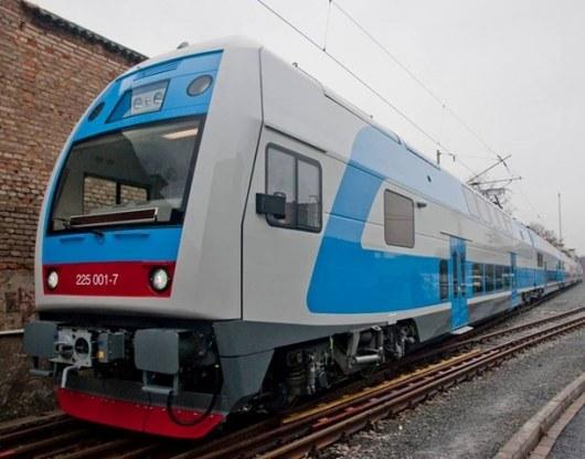 Киев: Двухэтажный электропоезд совершил 1-ый рейс Харьков
